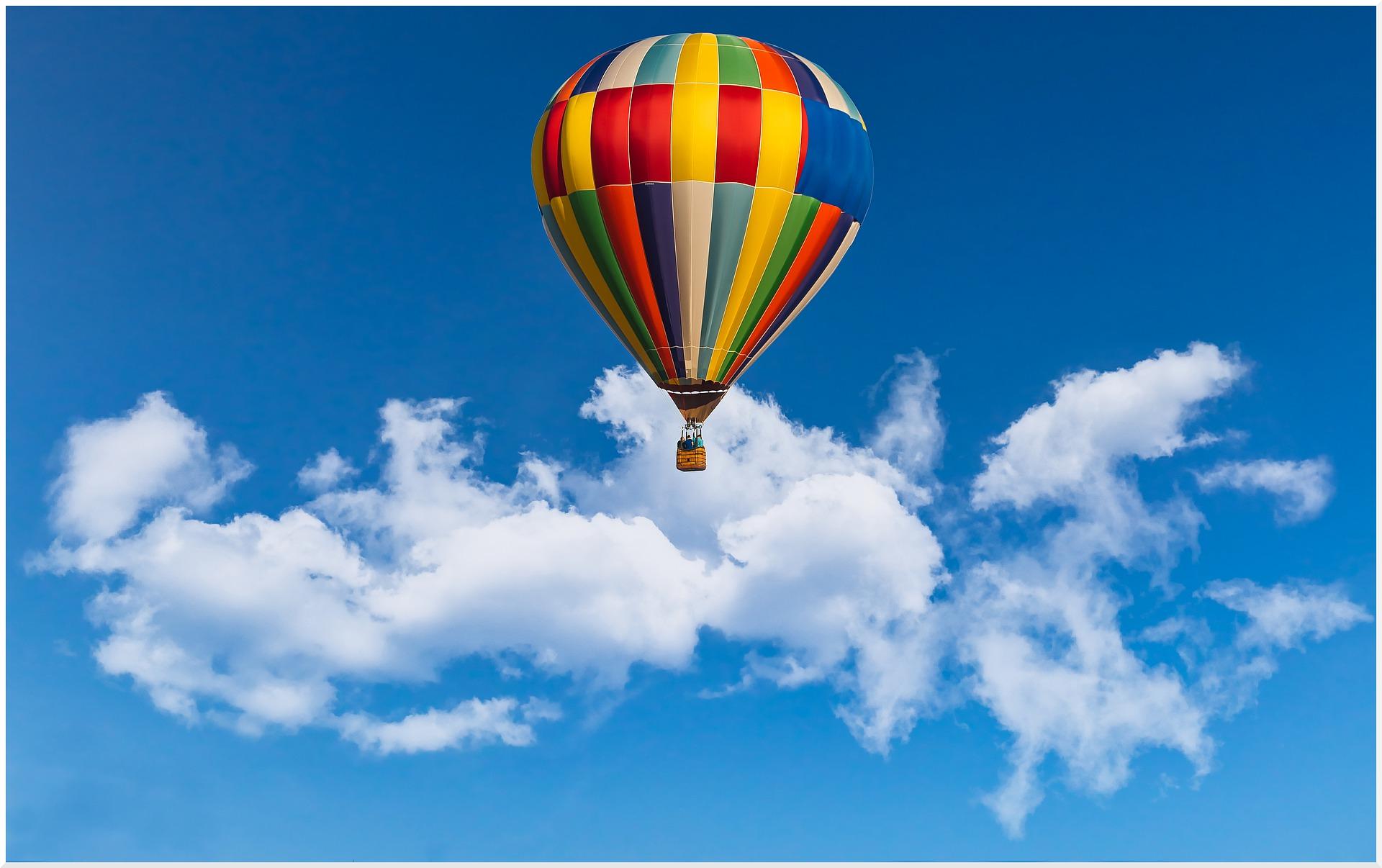 hot-air-ballon-5528622_1920